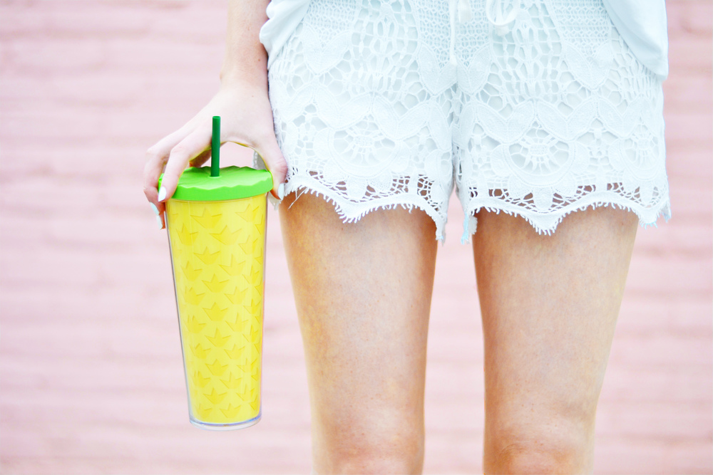 Blogger Lace Shorts & Cute Tumbler (via Chic Now)