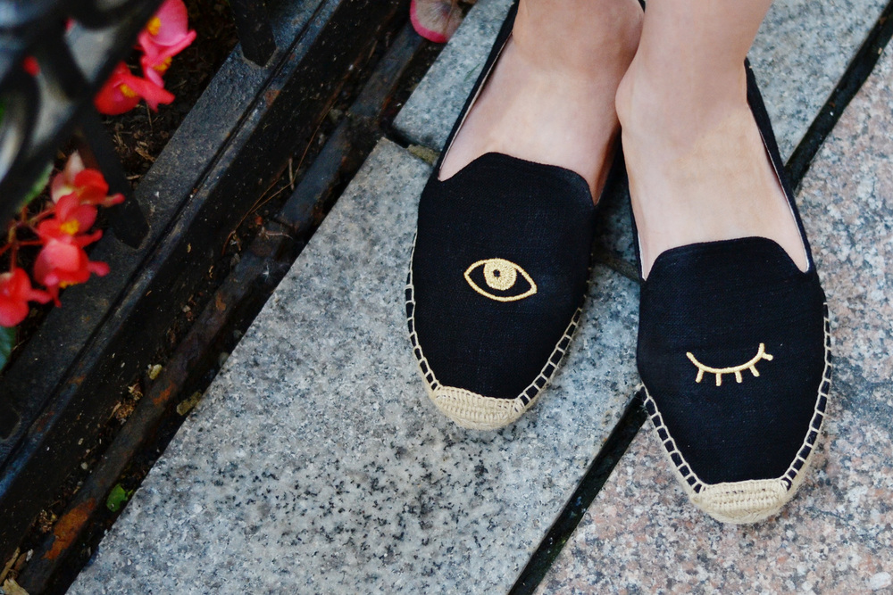 Soludos Wink Shoes Blogger (via Chic Now)