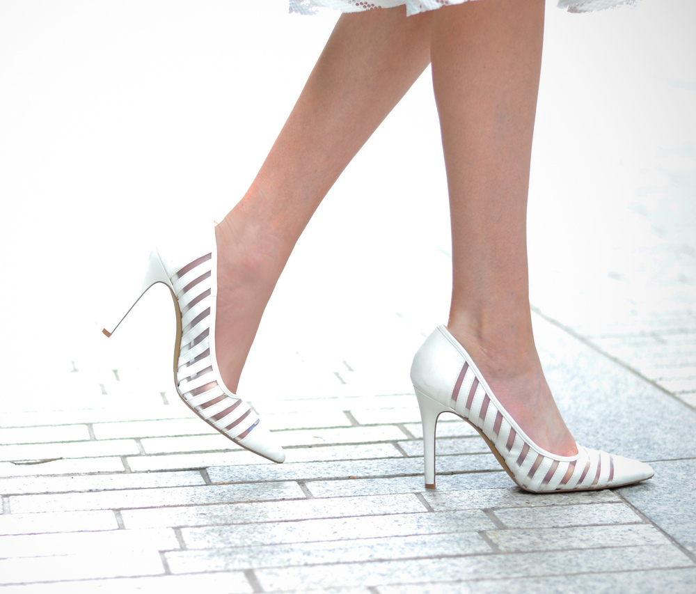 Blogger White Heels (via Chic Now)