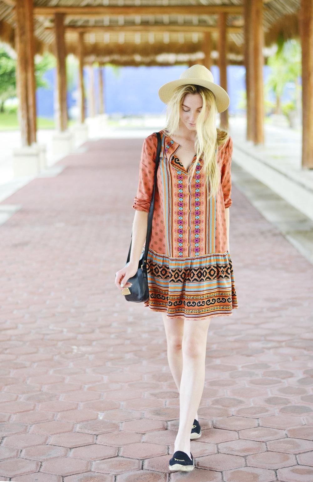 Blogger Drop Waist Dress (via Chic Now)