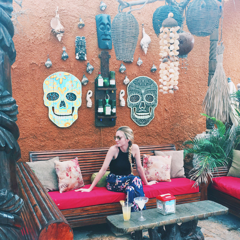 Blogger in Mexico (via Chic Now)