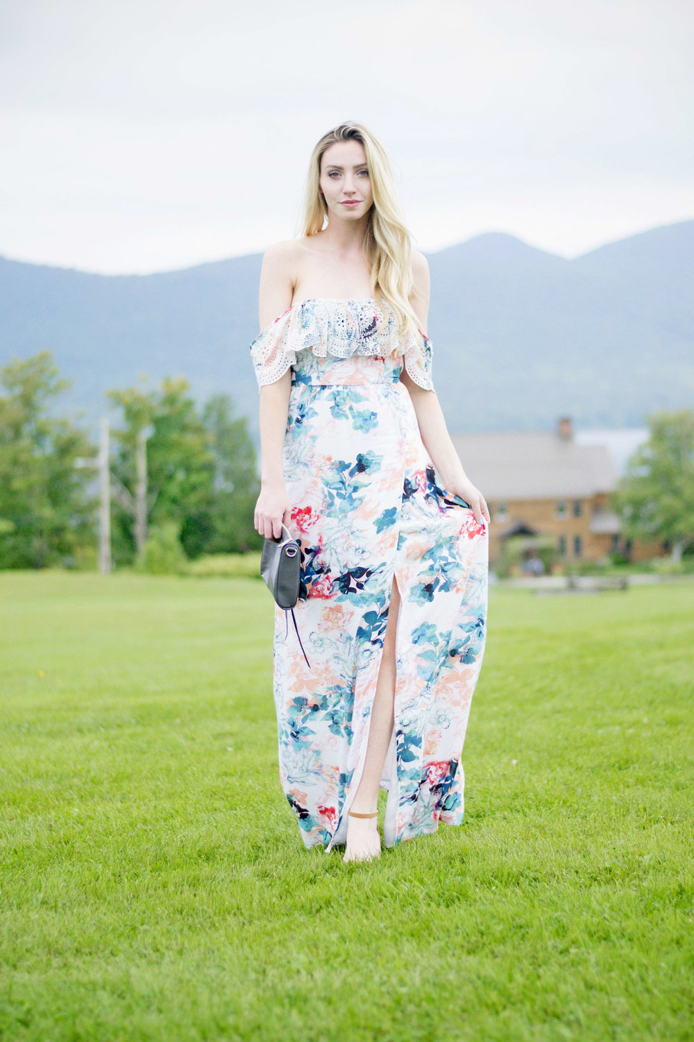What To Wear To A Wedding Blogger (via Chic Now)