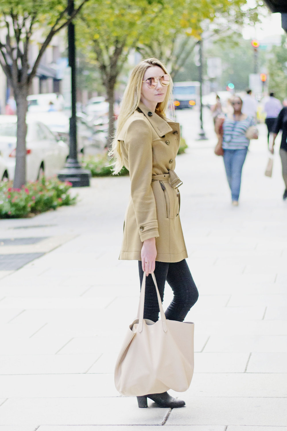 Blogger Fall Camel Coat (via Chic Now)