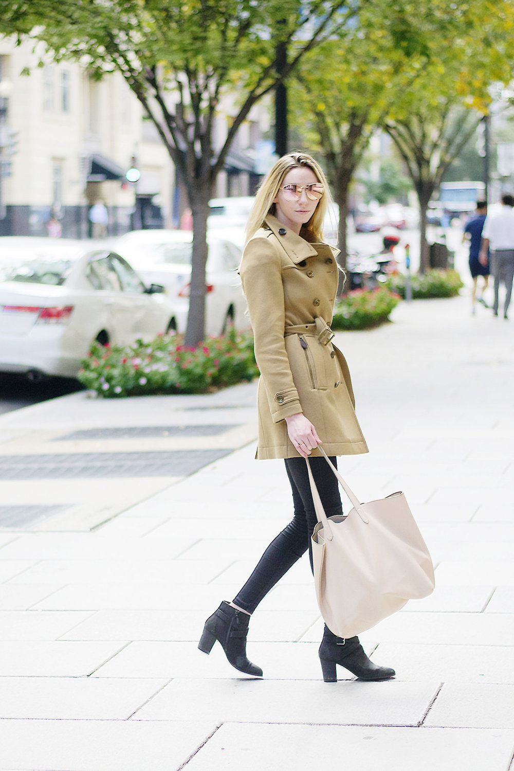 Burberry Daylesmoores Camel Coat (via Chic Now)