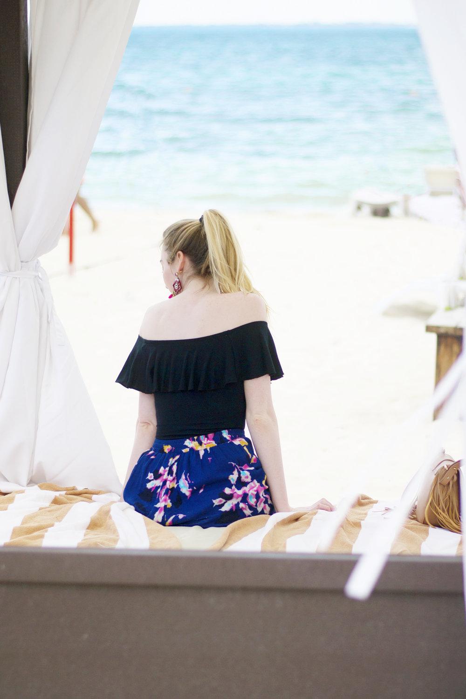 Blogger Resort Style