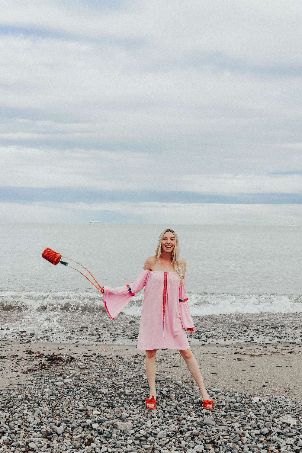 Pink Beach Coverup | @maevestier
