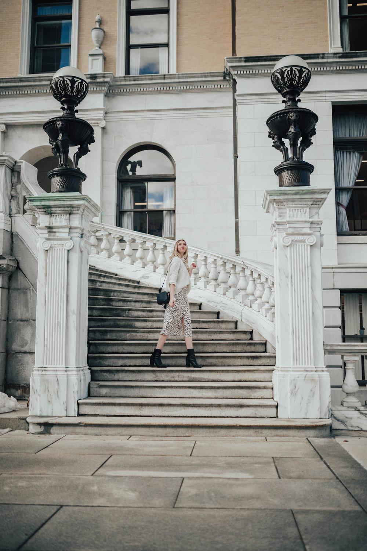 Boston Fashion Blogger (@maevestier)