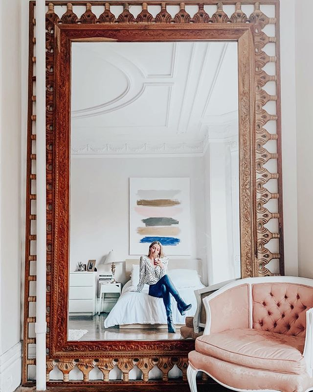 Giant Mirror Appreciation Post™ ⠀⠀⠀⠀⠀⠀⠀⠀⠀⠀⠀⠀ (idk why I don't do more of these✨)