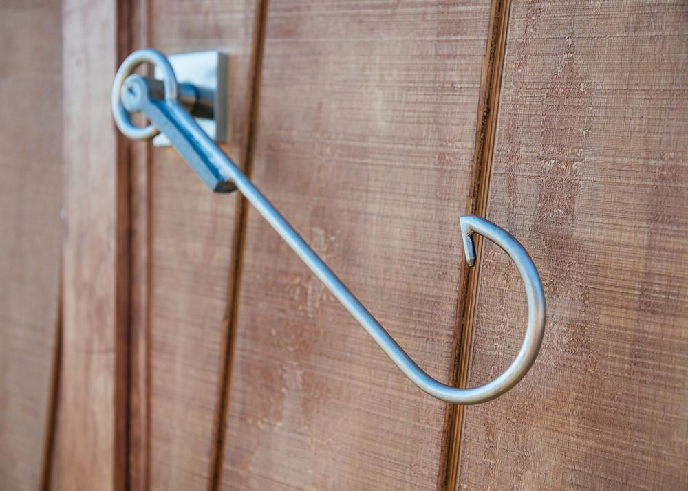 Clever door handle.
