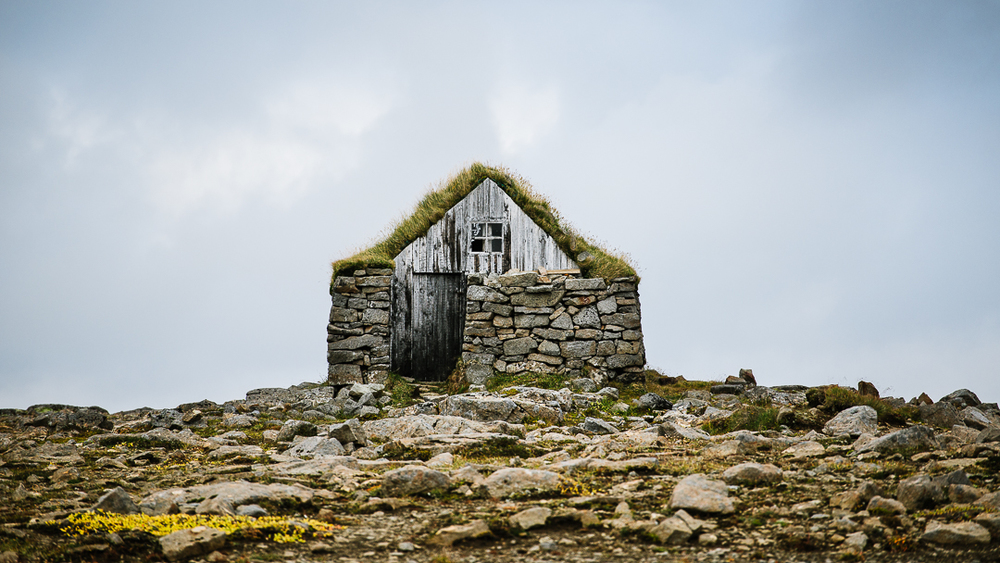 These stone houses often housed not only the people, but the animals as well. The animals create a natural heating source for the building, while the ever growing turf roofs act as insulation and waterproofing.