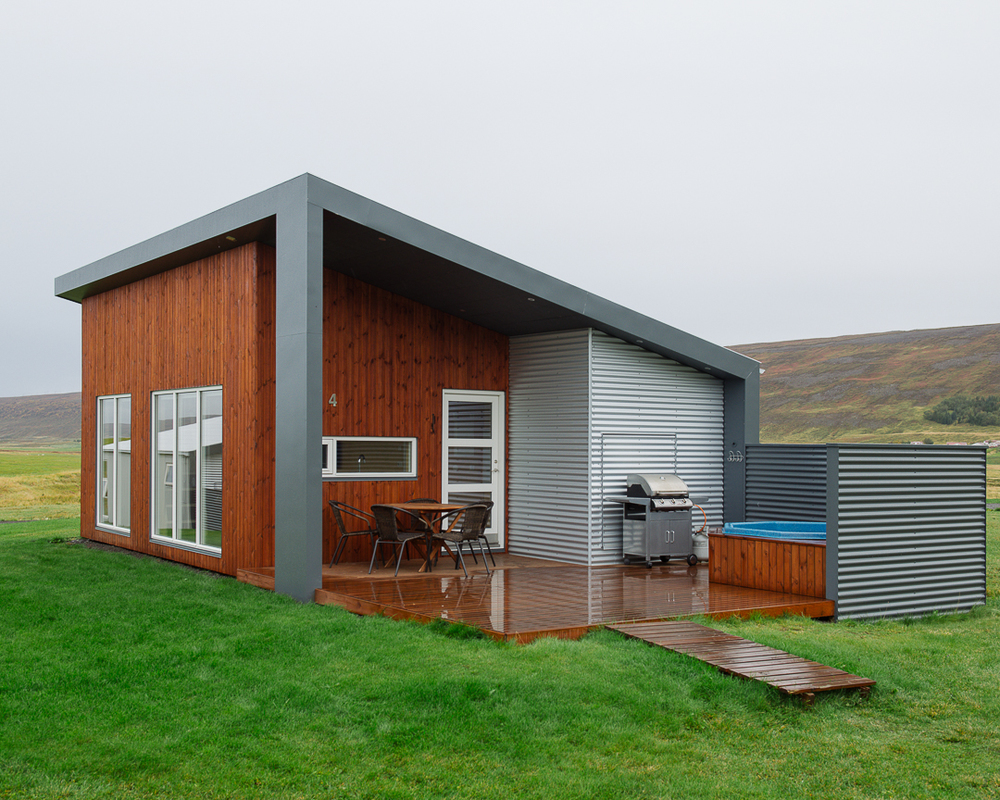 Eco-friendly Einishus Cottage with geothermal heating.  http://www.einishus.com/