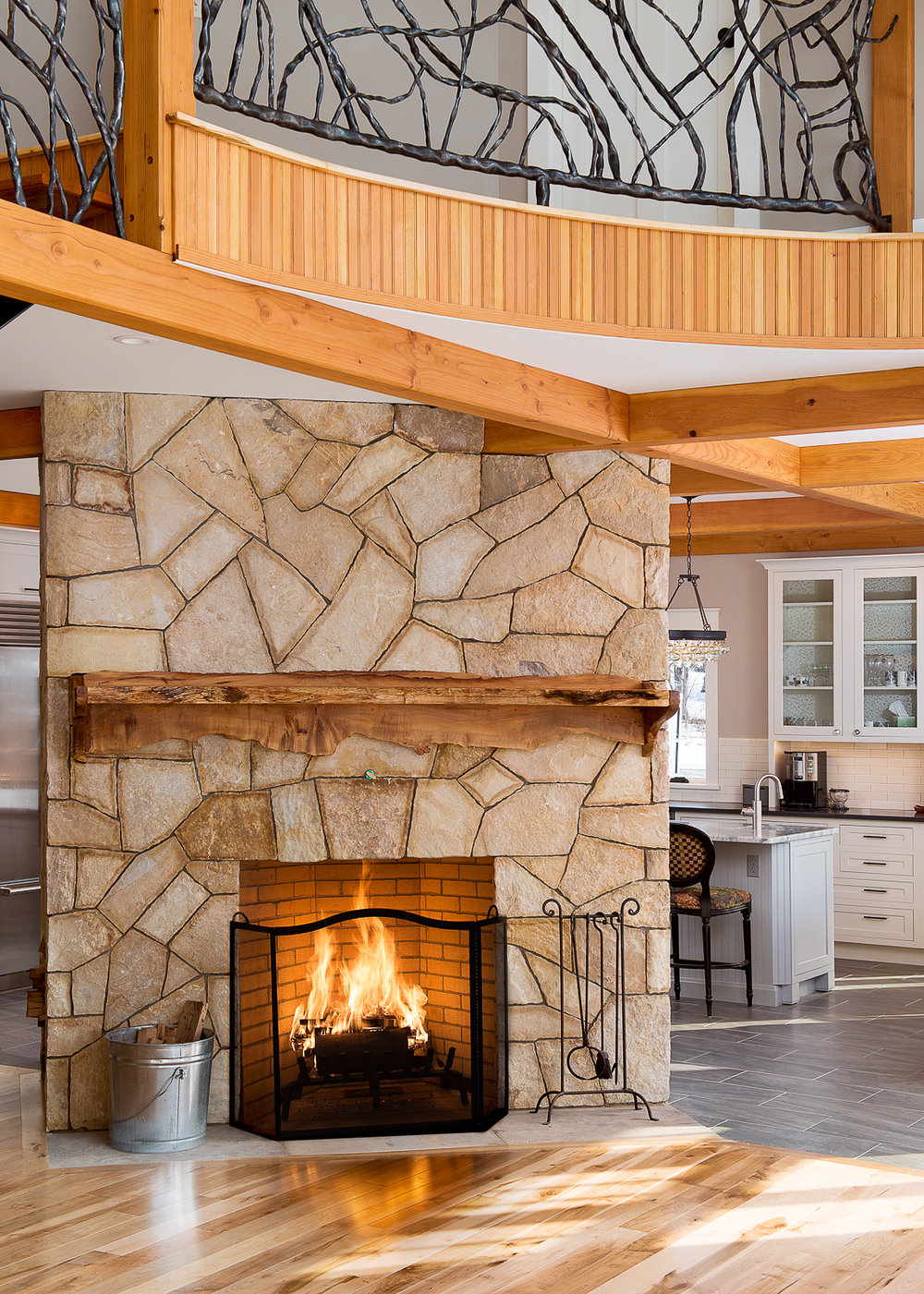 Warren, VT: Fireplace with wrap-around Kitchen