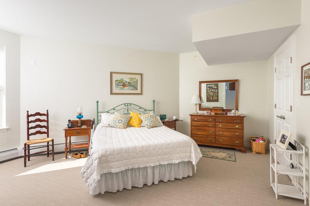 Independent living bedroom.