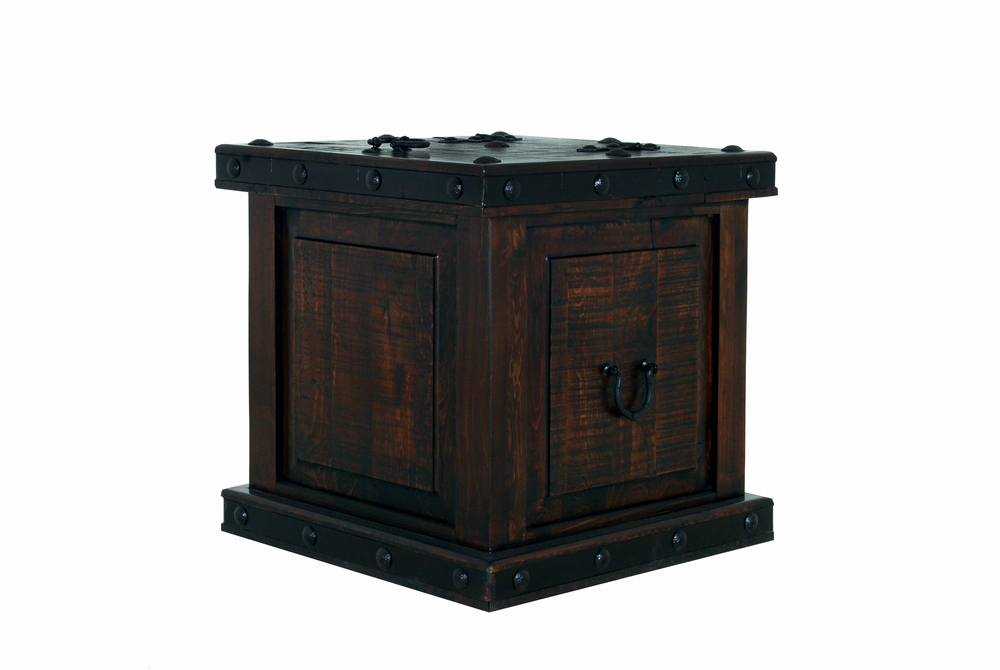 Gh TRUNK END TABLE  $279