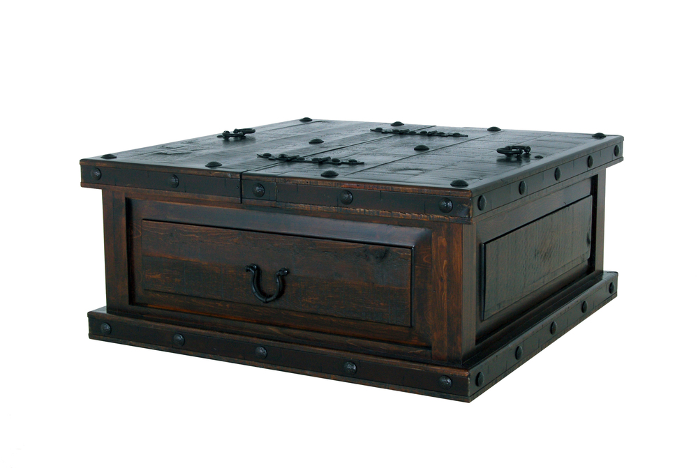 gh TRUNK COFFEE TABLE  $399