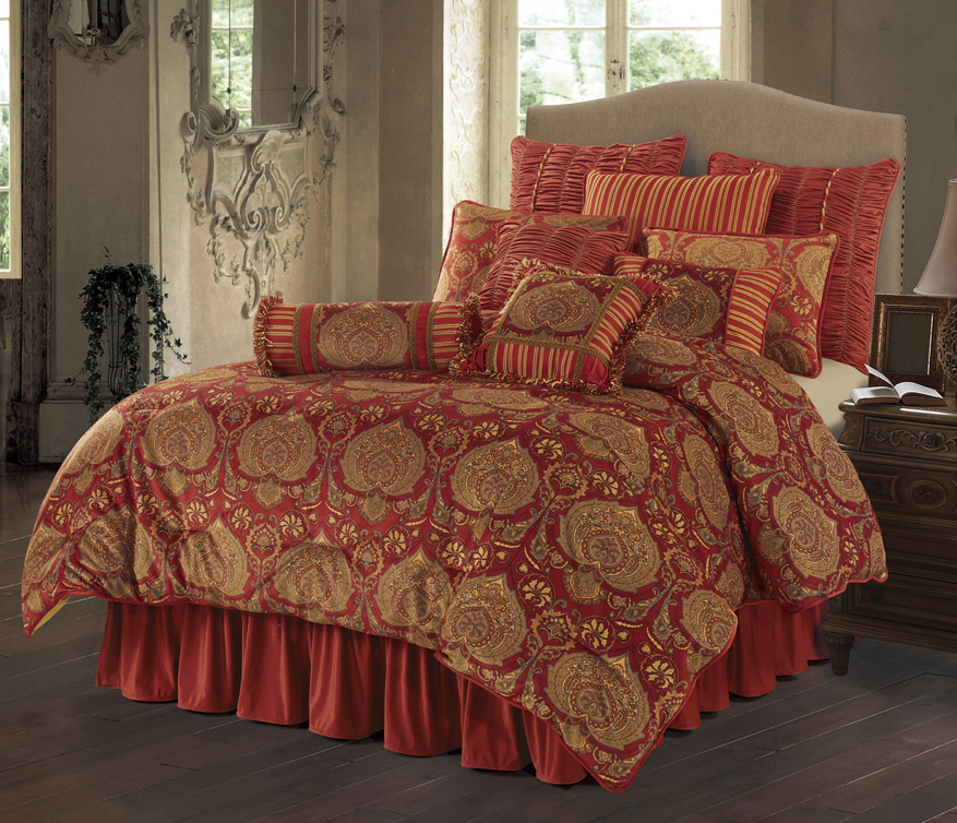 LORENZA BEDDING