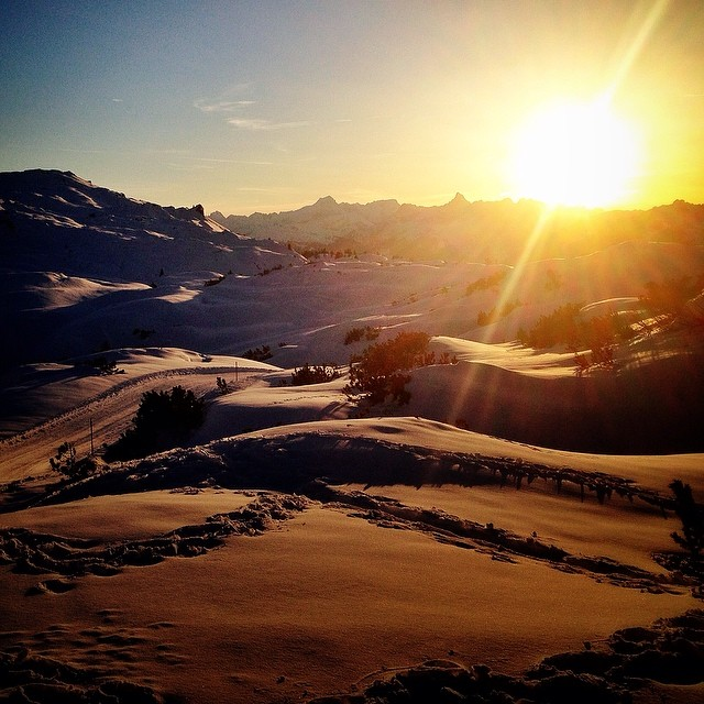 sunset in the zone. wallis meets arlberg. stay tuned for more! @aurelanthamatten @leviluggen @grego_campi