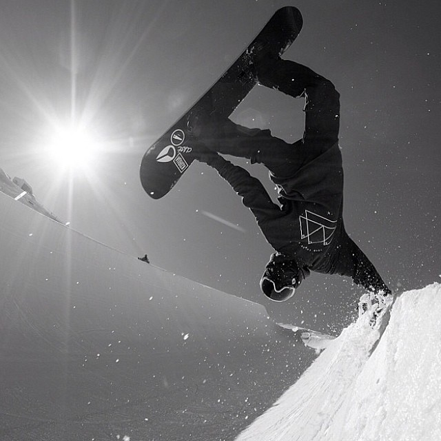 Dreaming about snowboarding... @stephan_maurer with a classic handplant! Photo: @lucacrivelli1  #snowboarding #corvatsch