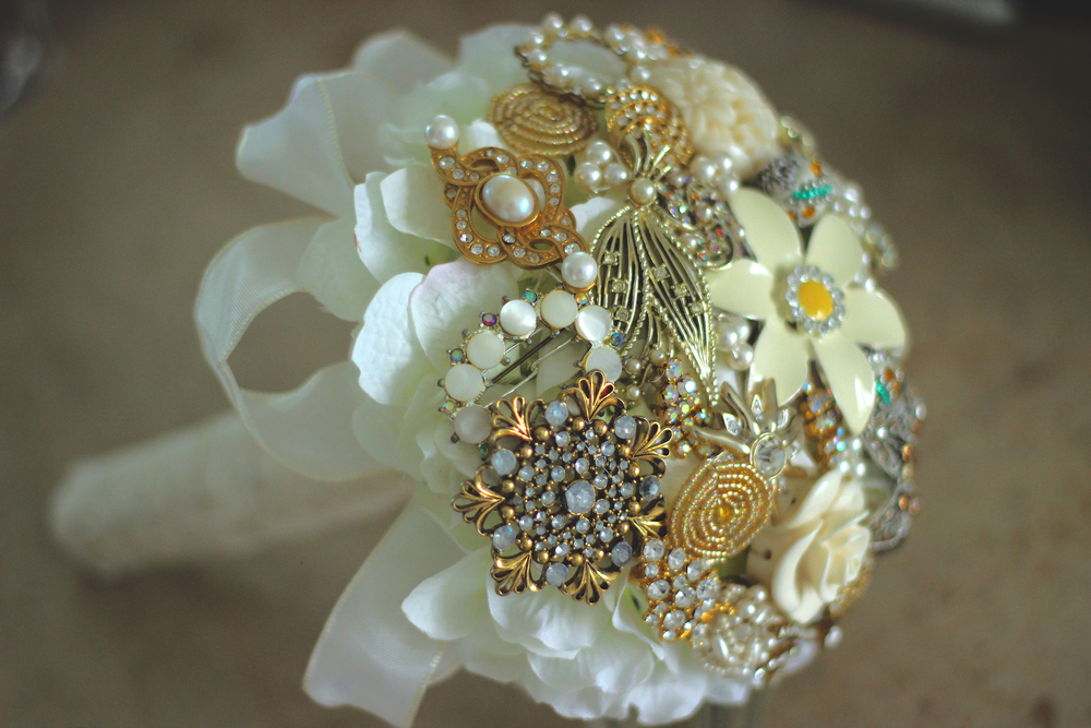 Ivory Brooch Bouquet.jpg