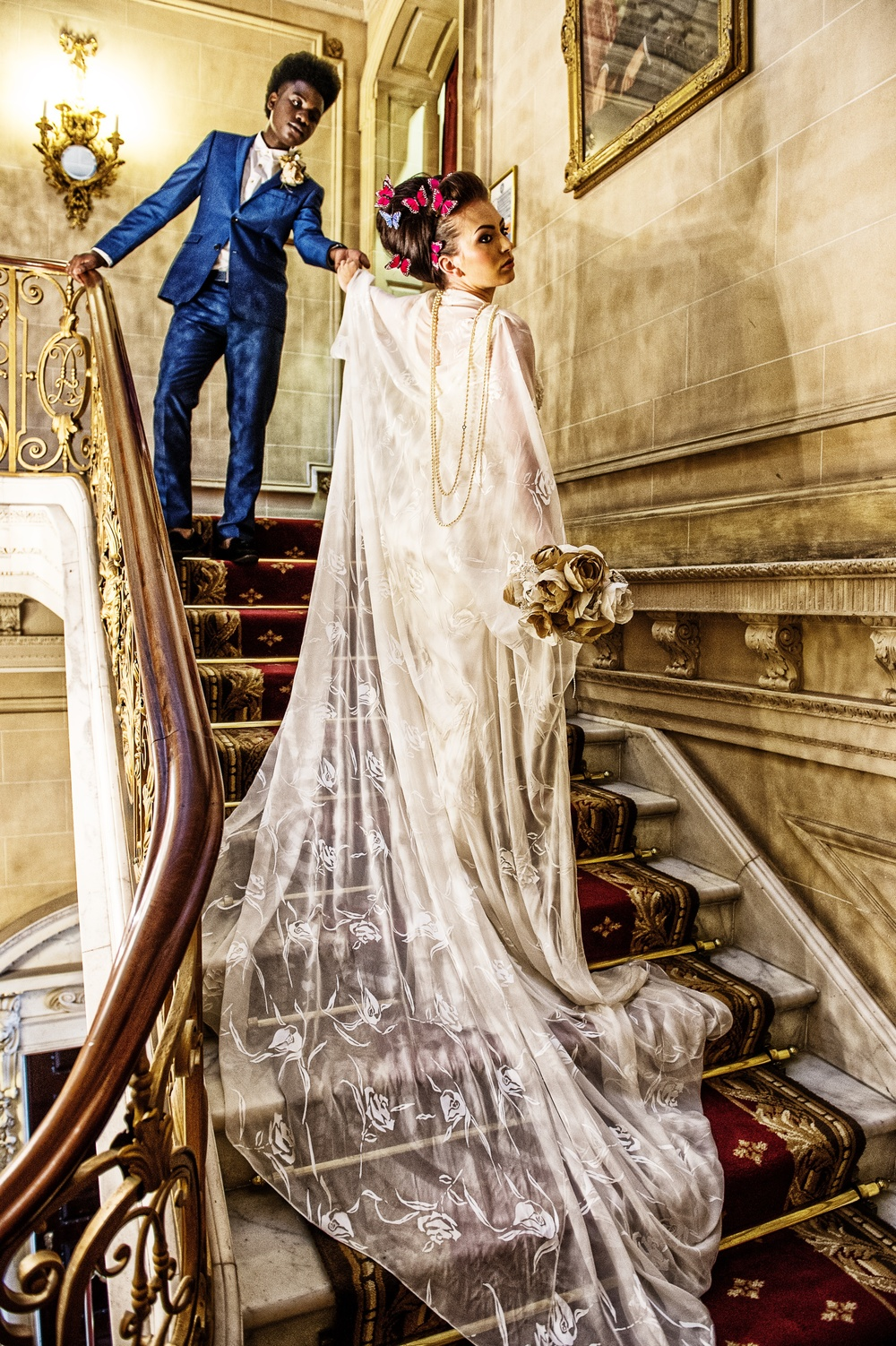 1970s wedding inspiration gold, white, masarla