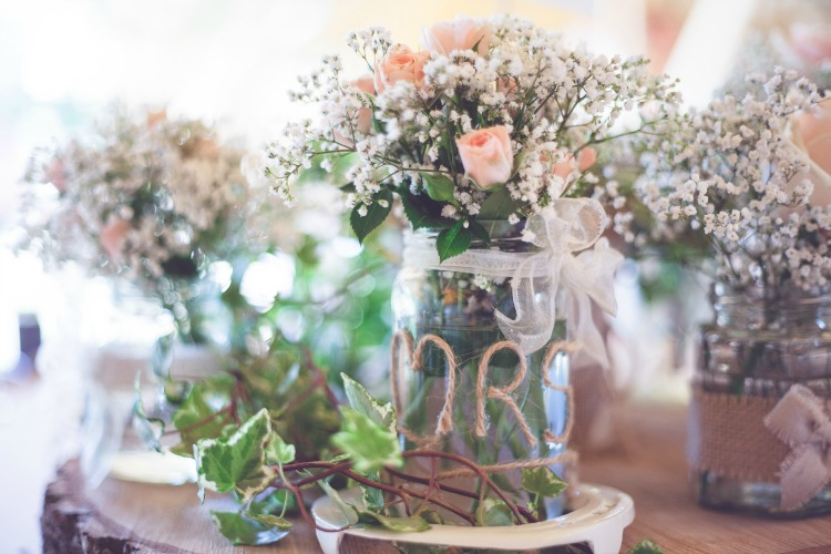 rustic wedding jam jars.jpg
