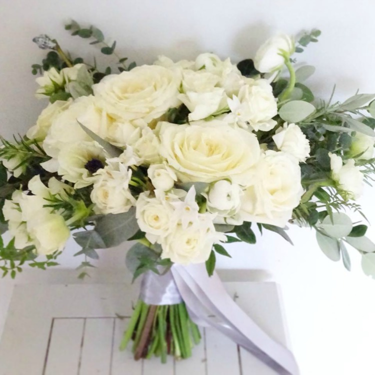 white-wedding-bouquet-foxy-buds.jpg