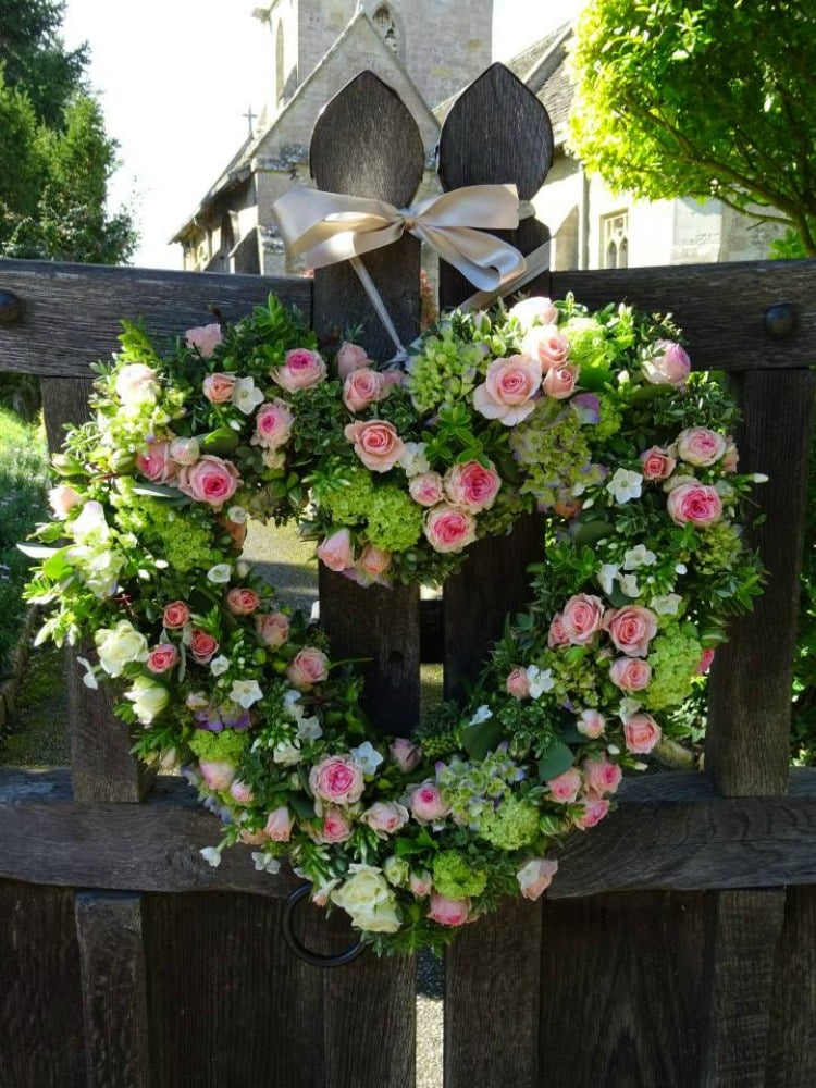 heart-wedding-flowers-foxy-buds.jpg