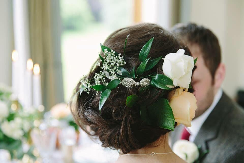 laura-gray-bridal-hair-with-flowers.jpg