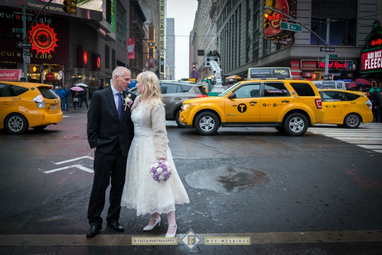 new-york-taxi-wedding-couple.jpg
