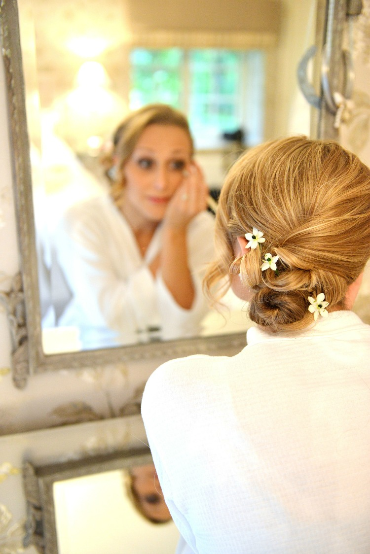 bridesmaid-getting-ready.jpg