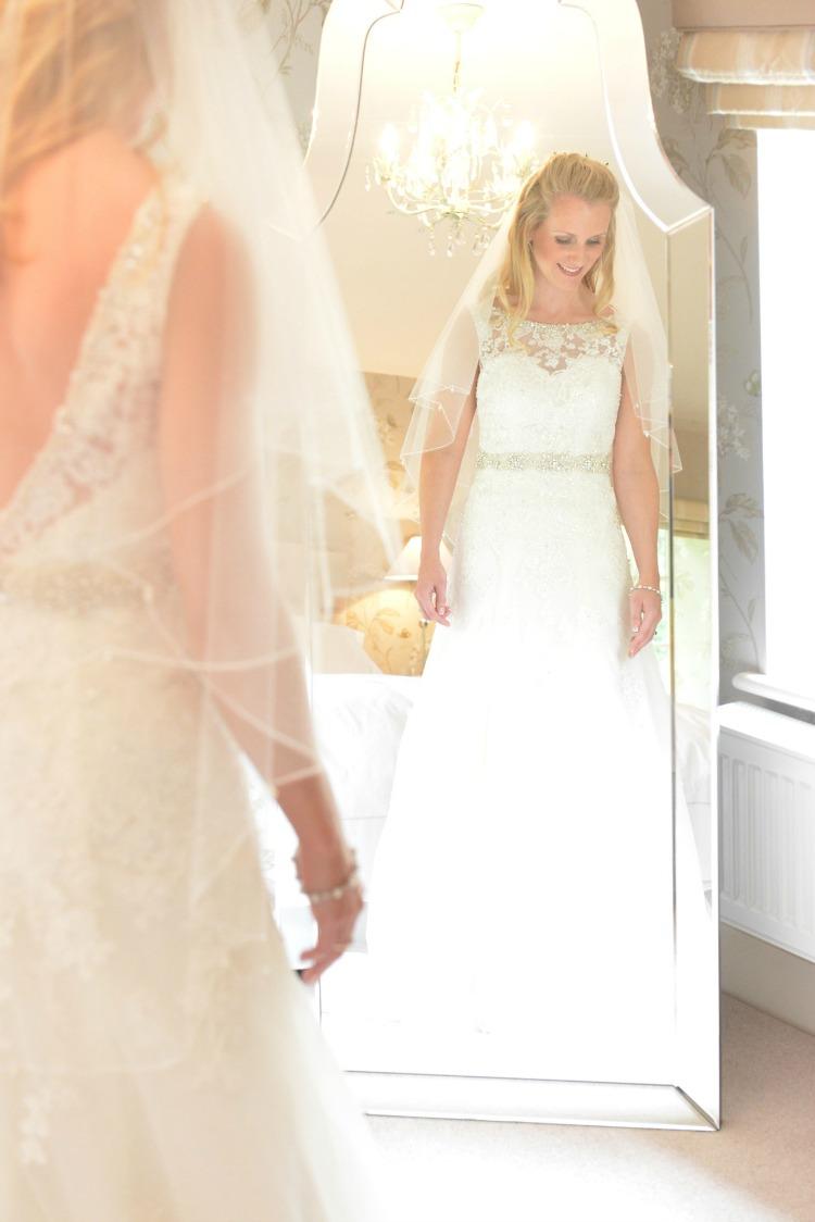 bride-getting-ready-in-mirror.jpg