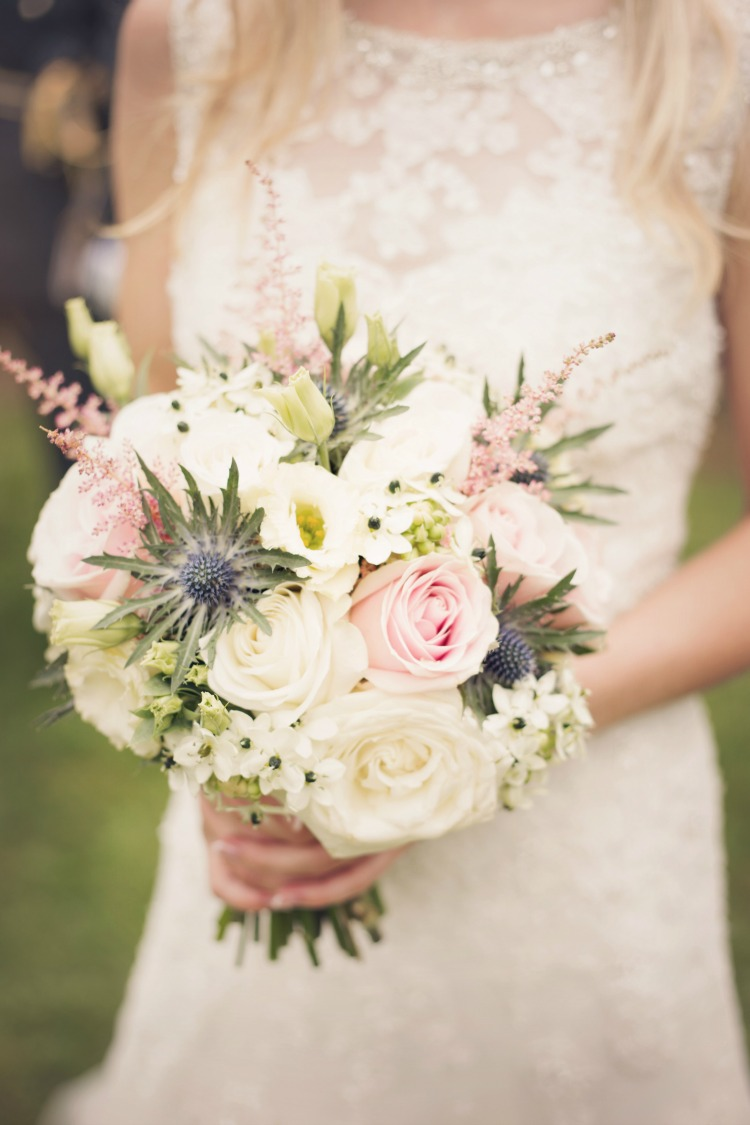 pink-and-white-bridal-bouquet.jpg