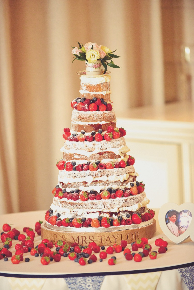naked-wedding-cake.jpg