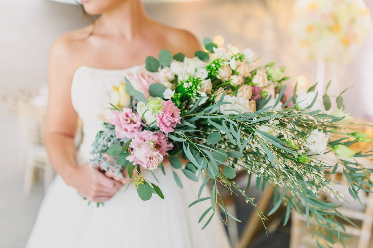 pink-peach-wedding-bouquet.jpg
