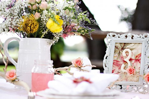Shabby-Chic-Wedding-Table.jpg