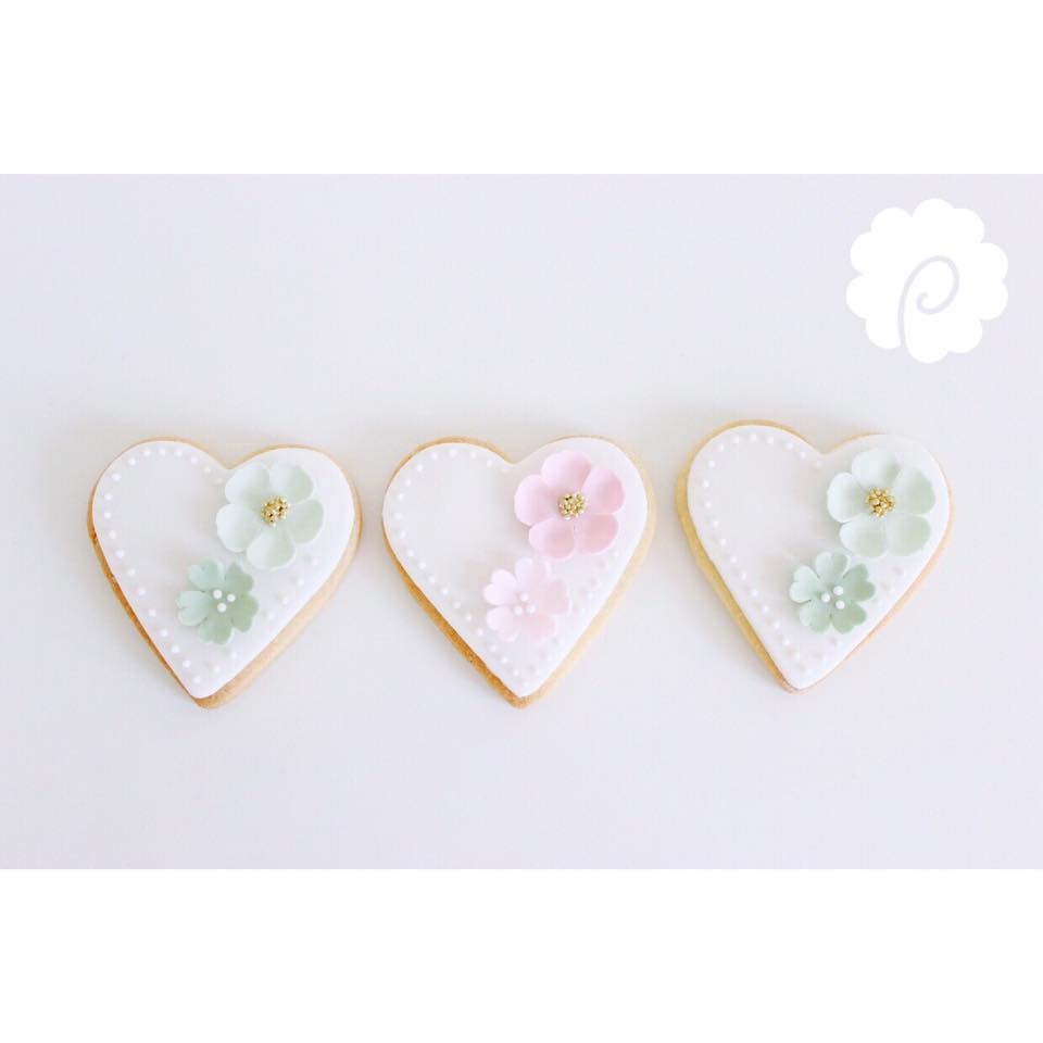 Pastel wedding cookies