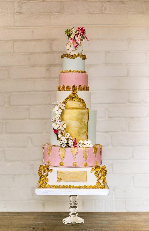 Gold-pink-wedding-cake.jpg