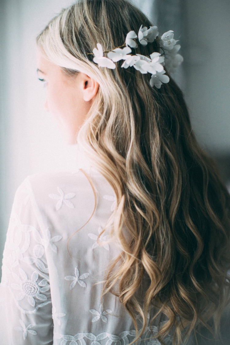 bridal-hair-vine-white-flowers.jpg