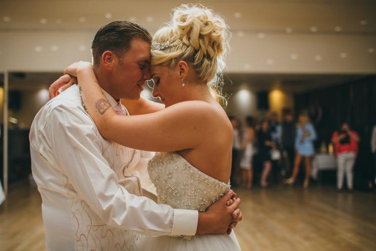 Wedding Photography Sarah Wayte first danc.jpg