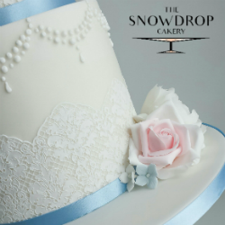Specialising in bespoke wedding cake design to ensure your cake is unique to you and tailored beautifully into your wedding day. Using the most up to date sugar techniques to be able to create your dream wedding cake.