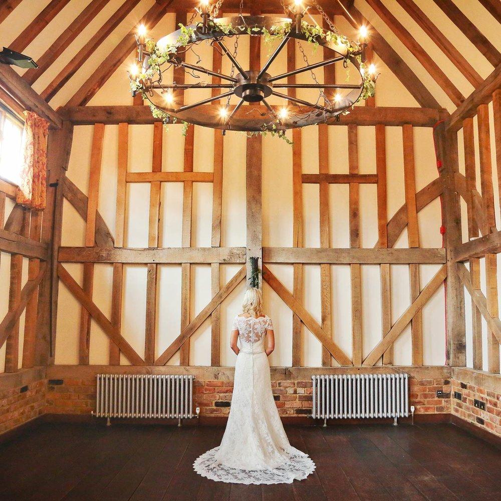 Caroline-arthur-wedding-dress-designer-and-so-to-wed-insta.jpg