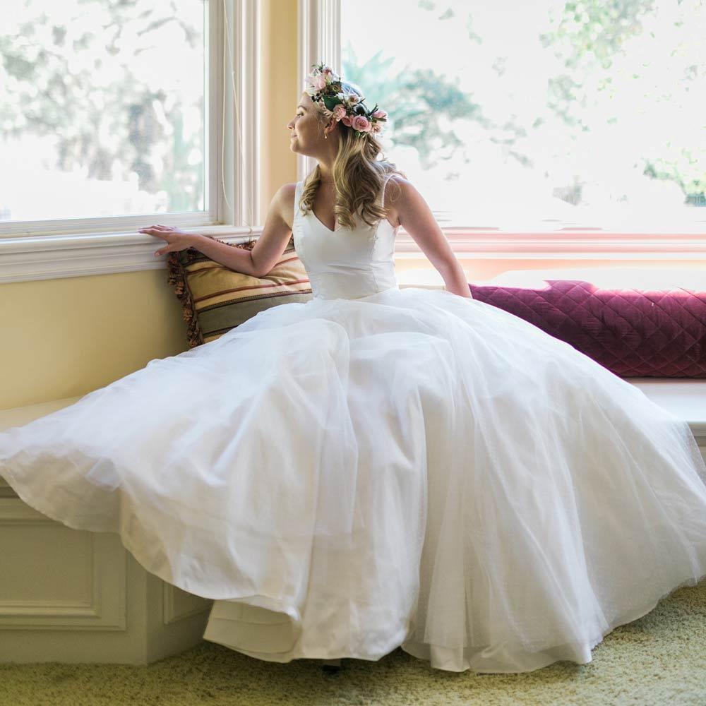 Caroline-Arthur-bespoke-British-wedding-dress-designer-and-so-to-wed-insta.jpg