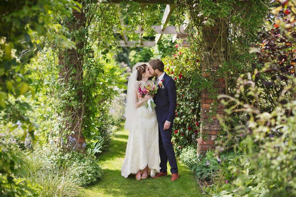 pop-up-wedding-bride-groom.jpg