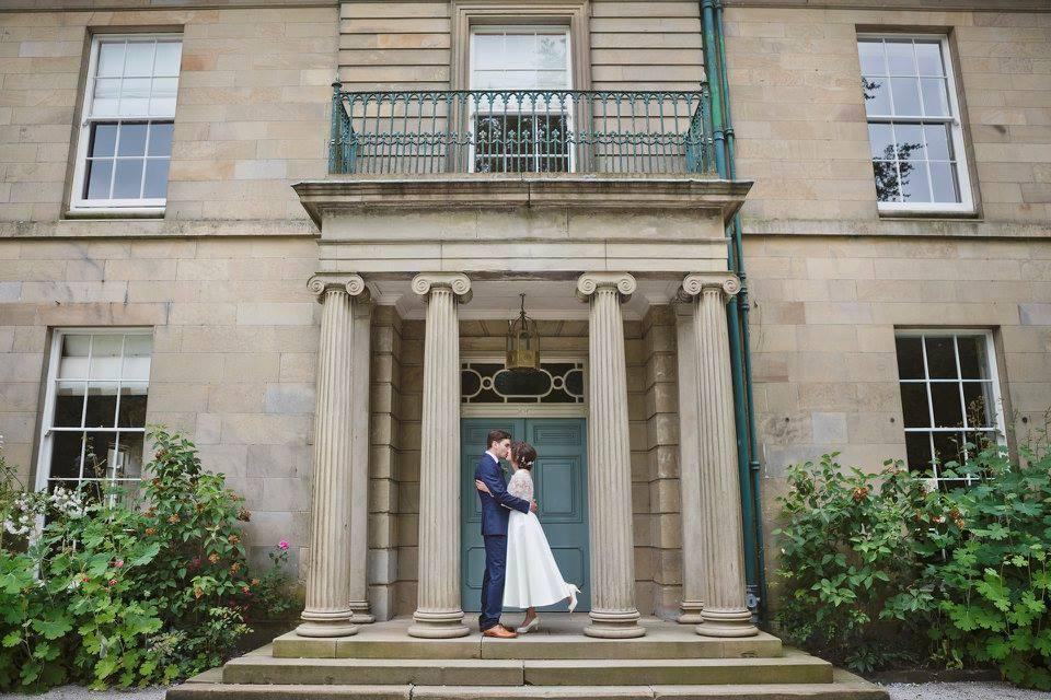 pop-up-wedding-kiss.jpg