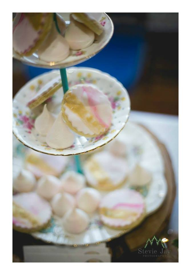 White Rose Cake Design Cookies.jpg