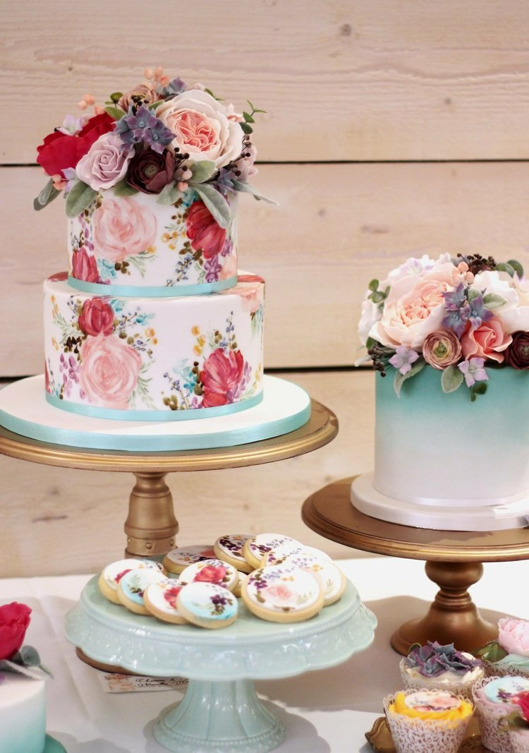 The Sugared Rose blue peach and red floral cake.JPG