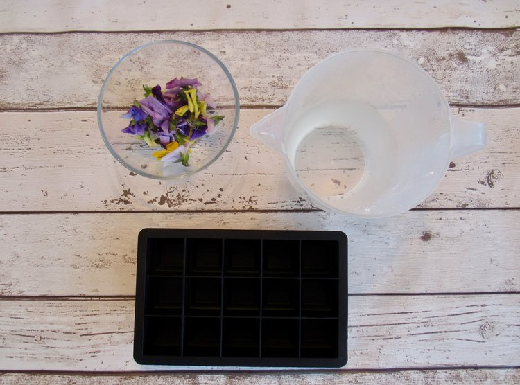 Floral Ice Cubes Method