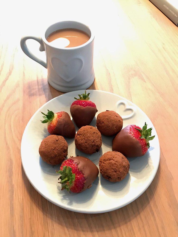 Make your own avocado dark chocolate truffles