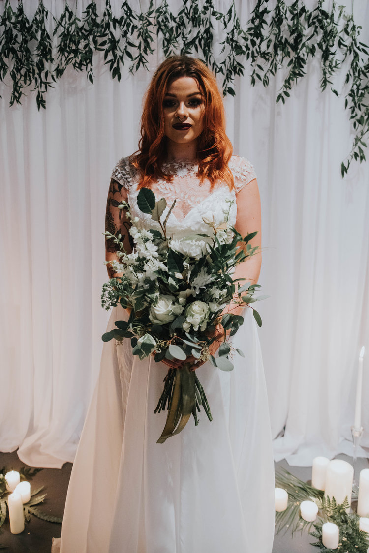 White and green wedding bouquet2.jpg
