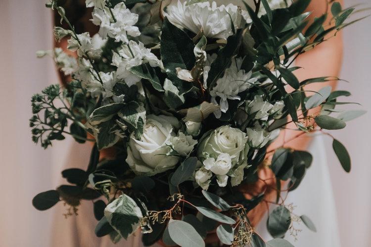 White and green wedding bouquet3.jpg